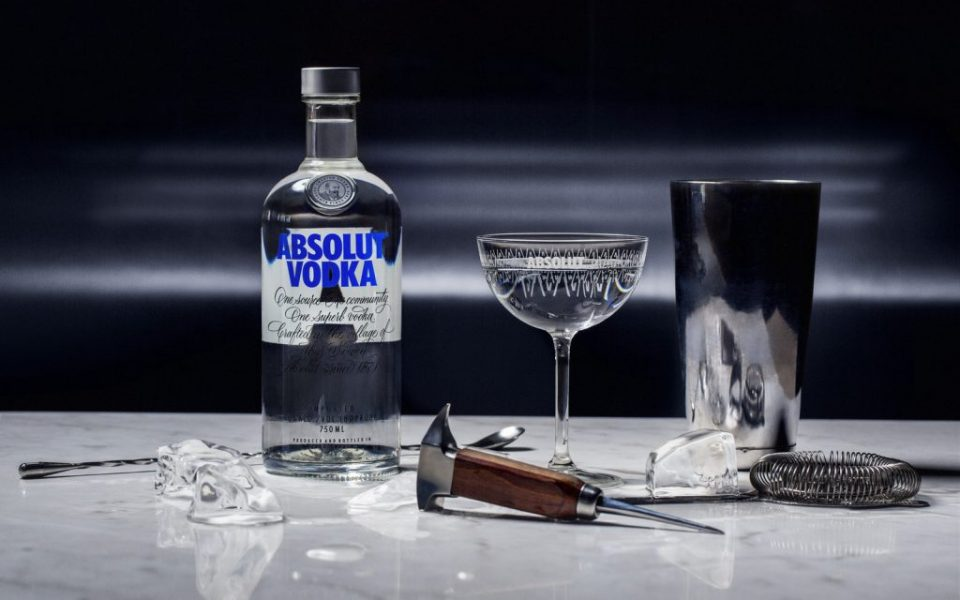 ABSOLUT_BAR_Large